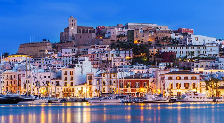 Cosas increíbles para hacer en vehículo en la isla de Ibiza